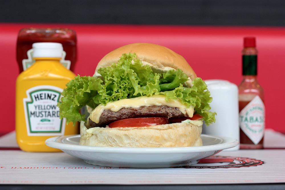 Cheeseburguer Salada Bacon (R$21,00)
