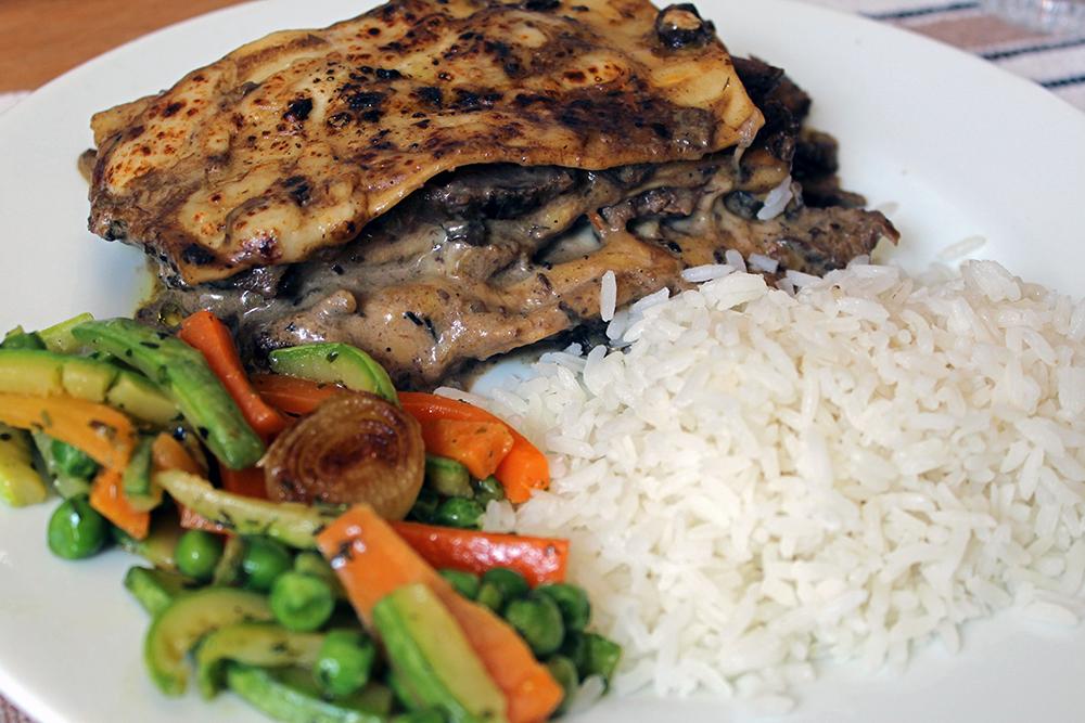 Que benção almoçar lasanha em plena terça-feira <3