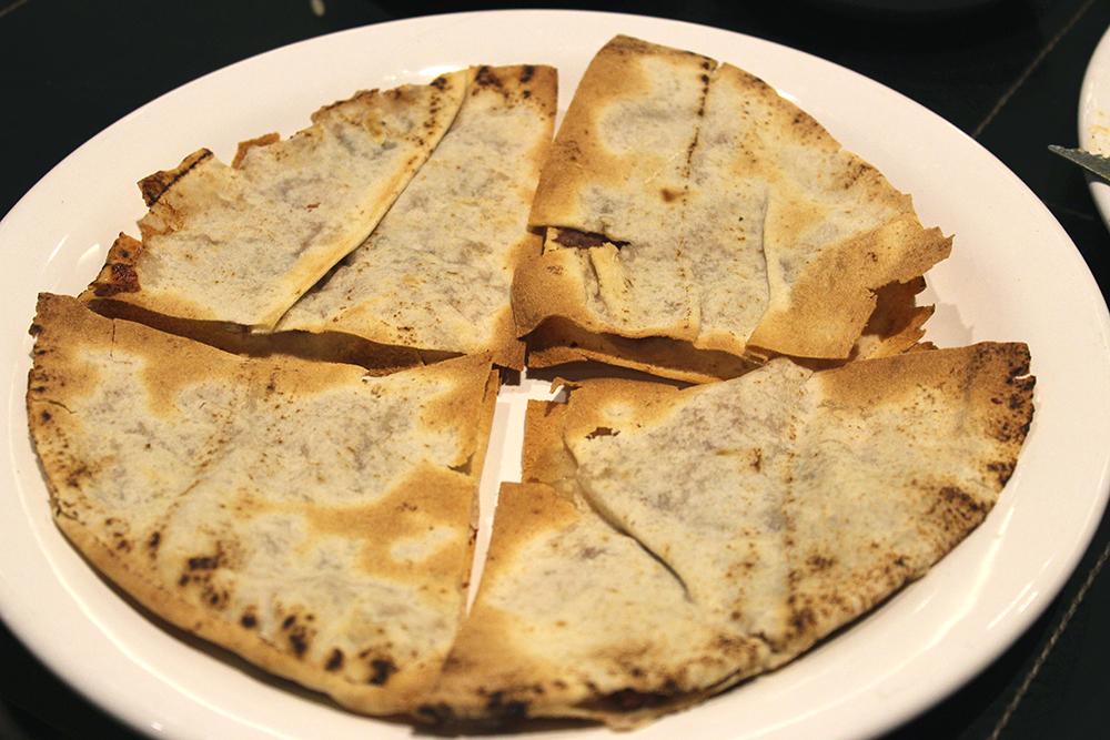 Arrayes: kafta suculenta, pãozinho crocante. Perfeito para molhar no homus ou na coalhada.
